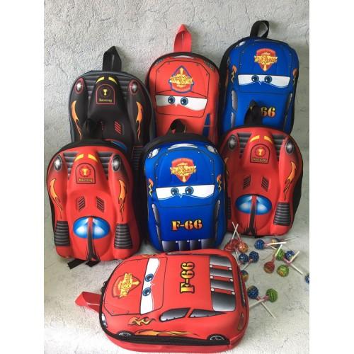 Дитячий рюкзак-машинка