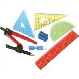Приладдя для креслення, лінійки, транспортири, трикутники